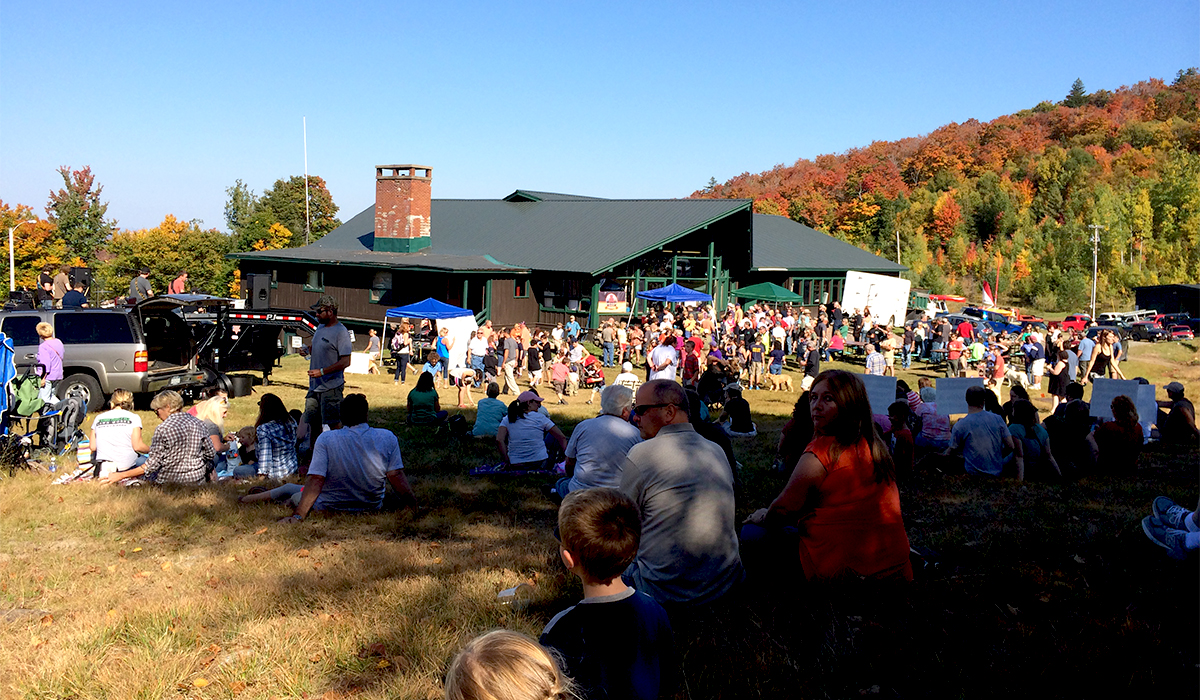 Crowds gather for live music at Oktupperfest 2014