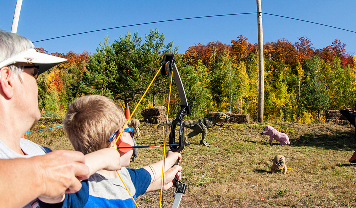 Tupper Lake Archers teach kids how to shoot a bow & arrow (ROOST/Shaun Ondak photo)