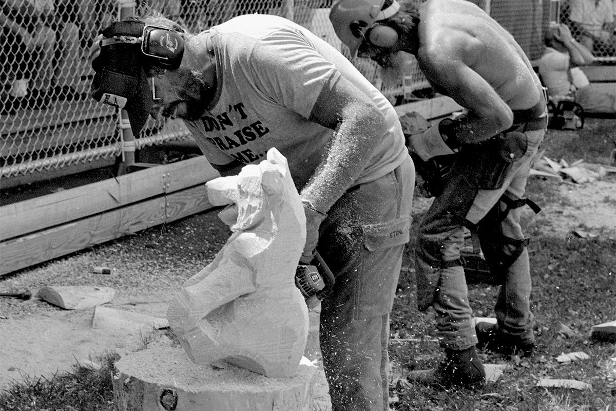 Chainsaw carving competition - 1988 (Kathleen Bigrow photo)