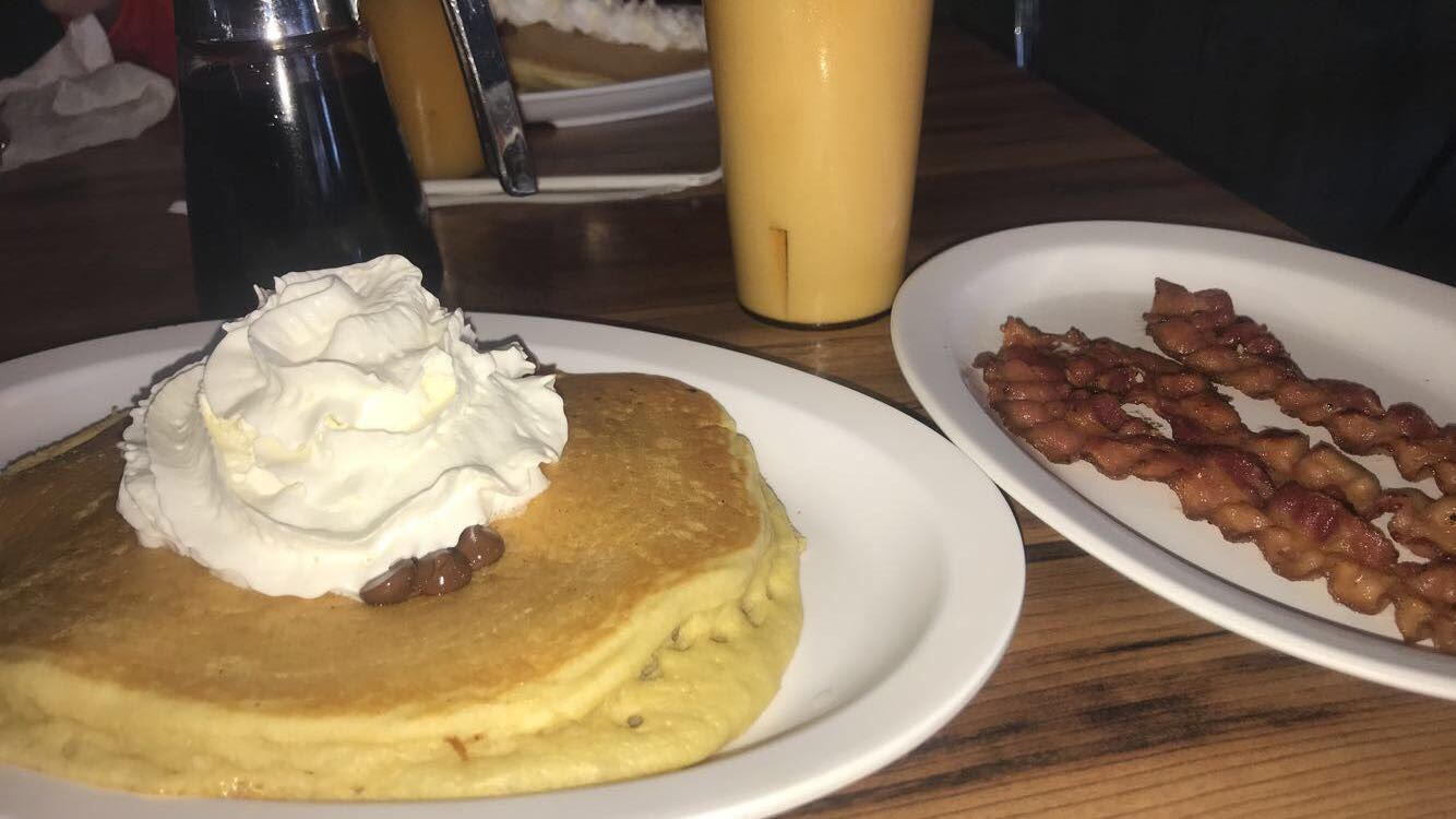 Pancakes & bacon from the Lumberjack!
