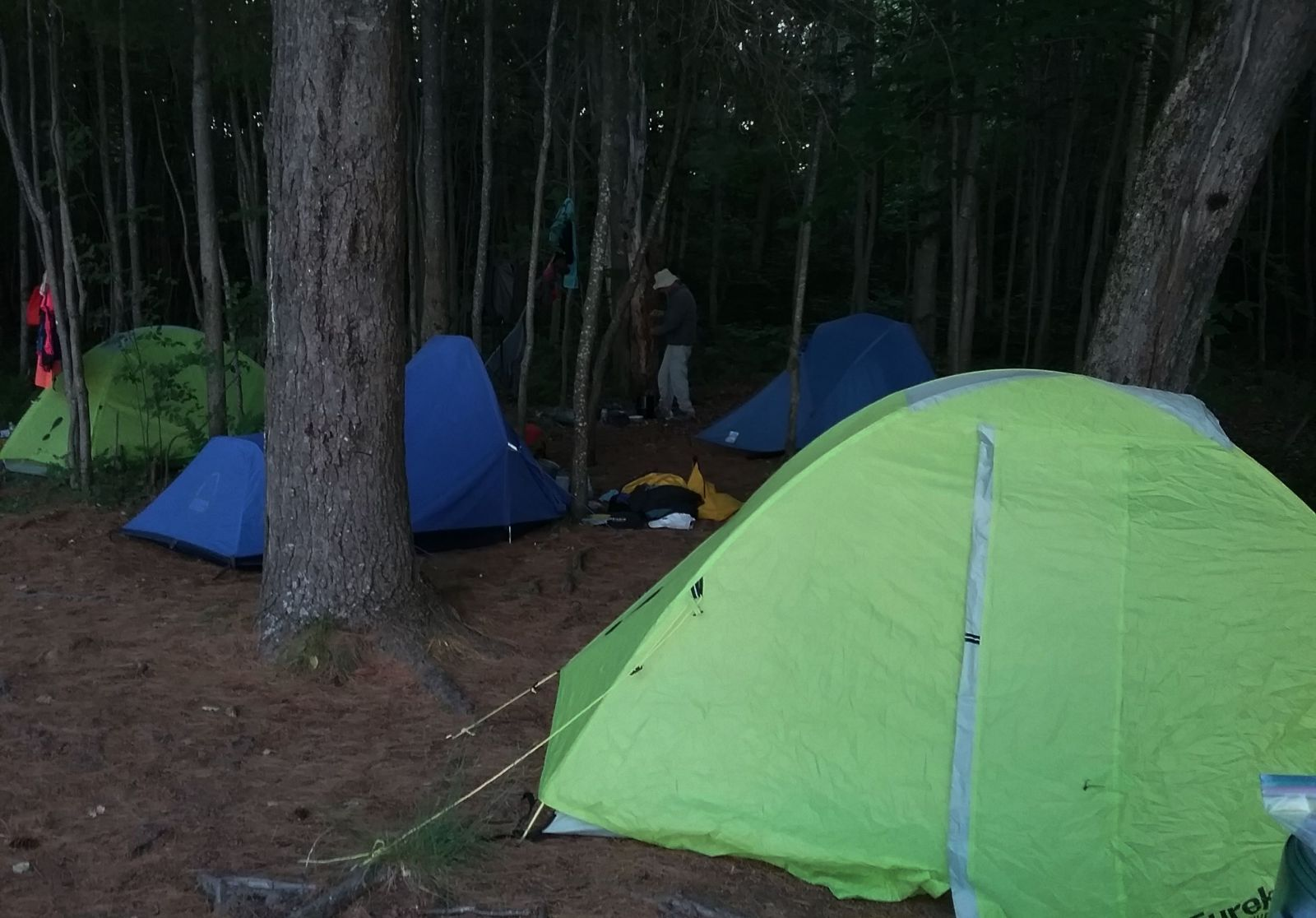Tents and clothes lines. Notice the green tents, Peggy and I ended up with the same used tents.